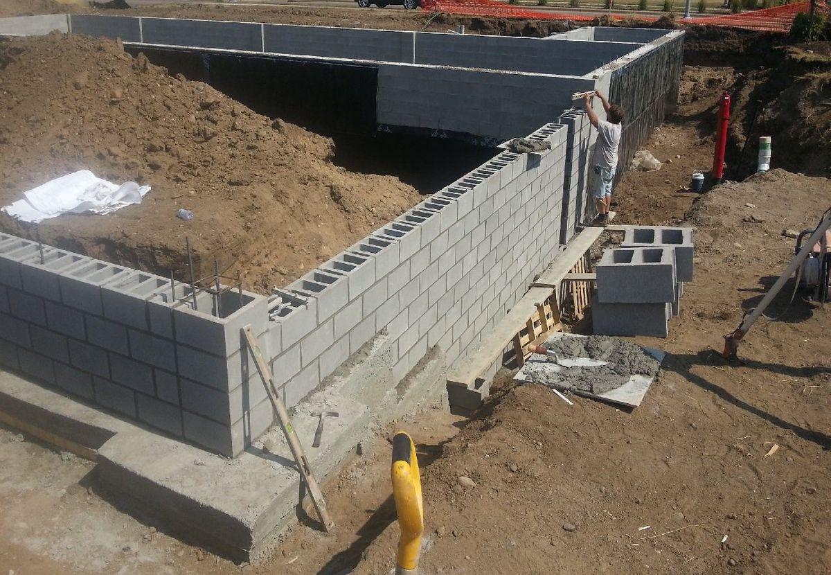 Фундаментные блоки своими руками 10